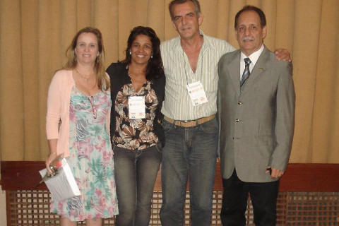 Dr. Sônia Groisman (incansável colaboradora), Francis (minha esposa, dentista também), eu e o Dr. Afonso F. Rocha, Presidente do CRO RJ