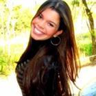 Dra. Larissa Carpinetti (Cirurgiã-Dentista)