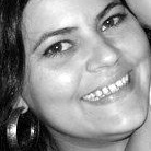 Dra. Renata Oliveira Santos (Cirurgiã-Dentista)