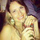 Dra. Naiana Vicente (Cirurgiã-Dentista)