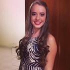 Karina Menegais (Estudante de Odontologia)