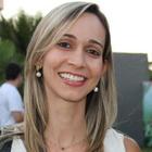 Dra. Lícia de Andrade Melo Ponciano (Cirurgiã-Dentista)