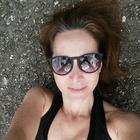Dra. Andrea Muniz (Cirurgiã-Dentista)
