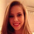 Júlia Valkimil Tavaniello (Estudante de Odontologia)