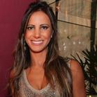 Dra. Camila Calazans (Cirurgiã-Dentista)