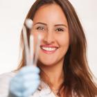 Dra. Rayane Prochnow (Cirurgiã-Dentista)