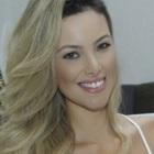 Dra. Carla Araújo Monteiro (Cirurgiã-Dentista)