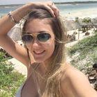 Gabriela Breure (Estudante de Odontologia)