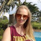 Mariana Petek (Estudante de Odontologia)