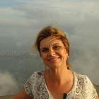 Dra. Adriana Farah Ziade (Cirurgiã-Dentista)