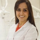 Dra. Renata Salerno Re (Cirurgiã-Dentista)