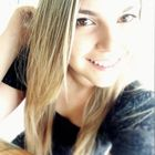 Claudia Baia (Estudante de Odontologia)
