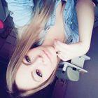 Larissa Hollerweger (Estudante de Odontologia)