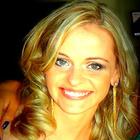 Dra. Ane Caroline Svencickas (Cirurgiã-Dentista)