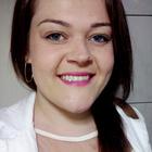 Dra. Julia Martinelli (Cirurgiã-Dentista)