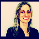 Dra. Luciana Odebrecht (Cirurgiã-Dentista)