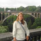 Dra. Suzana de Mattos Dias Castro (Cirurgiã-Dentista)