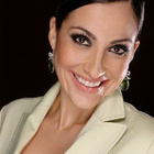 Dra. Debora Moura (Cirurgiã-Dentista)