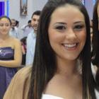 Dra. Adryelle C. M. Perez (Cirurgiã-Dentista)