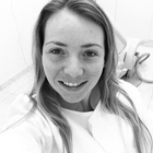 Dra. Adriana Kirchner Locatelli (Cirurgiã-Dentista)