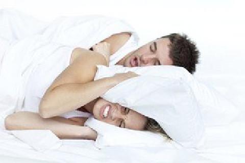 fonte: http://www.saudedicas.com.br/dicas/alimentos-que-ajudam-a-parar-de-roncar-227896