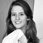 Dra. Juliane Ceolin Facio (Cirurgiã-Dentista)
