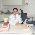 Dr. André de Castro Marques (Cirurgião-Dentista)