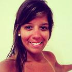 Monique Santos Diniz (Estudante de Odontologia)