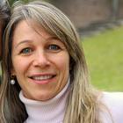 Dra. Silvia Maccarini Dall'igna (Cirurgiã-Dentista)