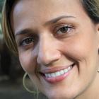 Dra. Viviane Leila (Cirurgiã-Dentista)