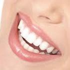 Dra. Alyne Santos Neves (Cirurgiã-Dentista)