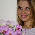 Dra. Adriana Athaide (Cirurgiã-Dentista)