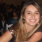 Lara Rezende (Estudante de Odontologia)