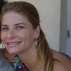 Dra. Jaqueline Cunha Andrade Marques (Cirurgiã-Dentista)