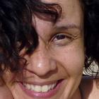 Dra. Ana Vanucia Martins de Carvalho (Cirurgiã-Dentista)