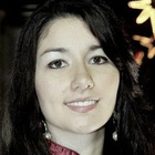 Dra. Raphaela Lama Travassos (Cirurgiã-Dentista)