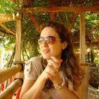 Dra. Michelle Cambri (Cirurgiã-Dentista)