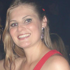 Dra. Camila Braun (Cirurgiã-Dentista)