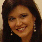 Dra. Simone Junqueira Paradela (Cirurgiã-Dentista)