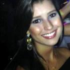 Lizzi Facundes (Estudante de Odontologia)