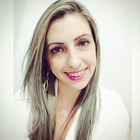 Dra. Juliana Zilly (Cirurgiã-Dentista)