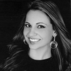 Dra. Ana Steglich (Cirurgiã-Dentista)