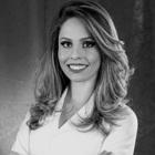 Dra. Juliane Severo (Cirurgiã-Dentista)