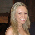 Dra. Renata K. Schmidt (Cirurgiã-Dentista)