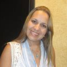 Dra. Denise Souza Santos (Cirurgiã-Dentista)