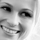 Dra. Mariana Sudati (Cirurgiã-Dentista)