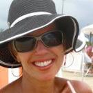 Dra. Regina Maura Fernandes Fernandes (Cirurgiã-Dentista)