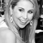 Dra. Andressa Gomes (Cirurgiã-Dentista)