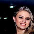 Camila Strada (Estudante de Odontologia)