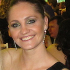 Dra. Juliana Carbonera (Cirurgiã-Dentista)